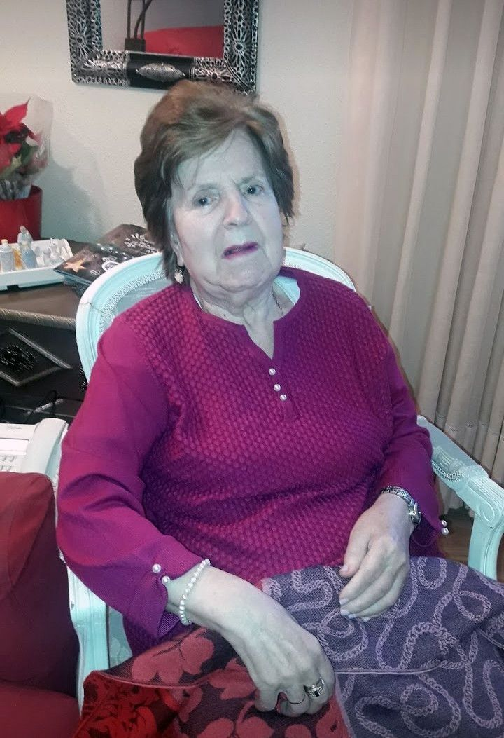 In memoriam   Mercedes Casas Blas