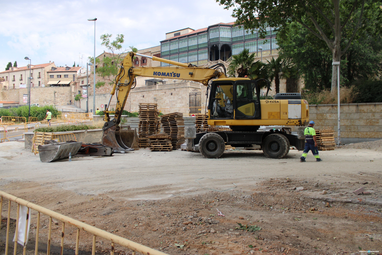 Obras en la plaza del Mercado Viejo centro recepción turistas visitantes (2)