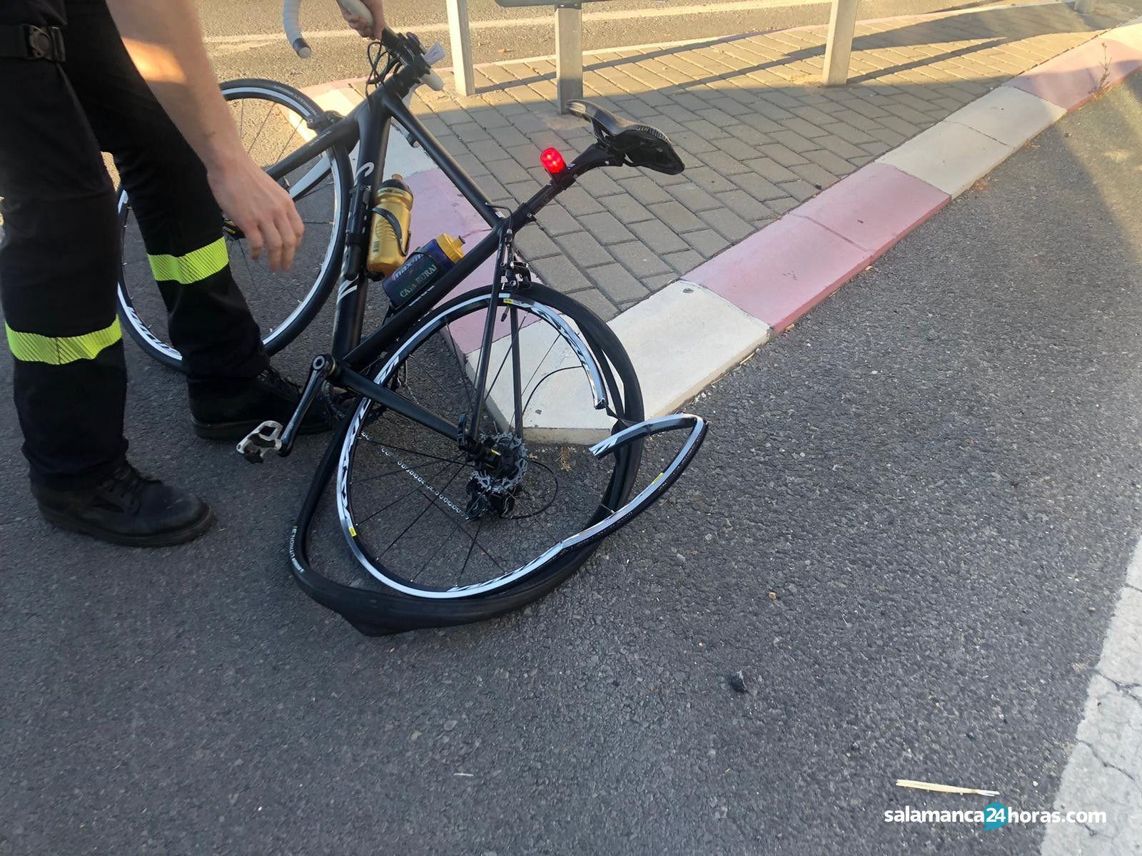 Atropello a ciclista en la carretera de Vecinos 2