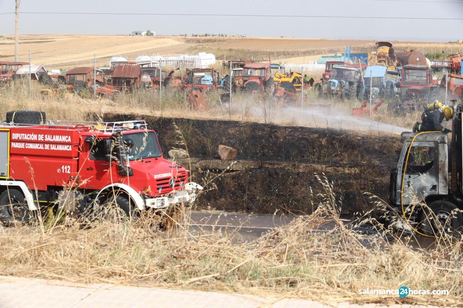 Camión quemado carretera valladolid (8)