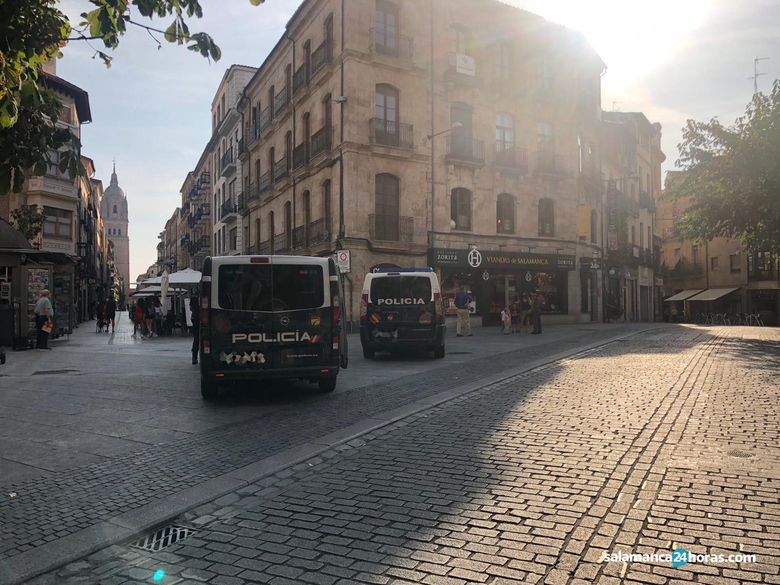 Policía calle rúa (2)