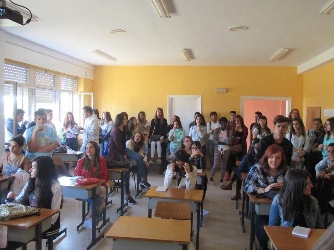 Más de 200 estudiantes de cuarto de ESO acuden a clases ...